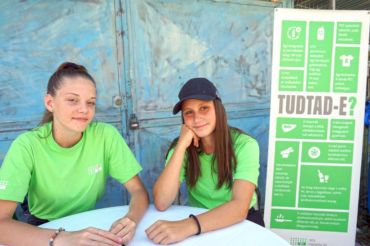 Kik ezek a zöld pólós lányok a hulladéklerakók mellett? | uh.ro